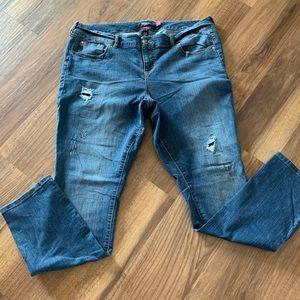 Torrid Distressed Jeans Size 18, Reg Inseam